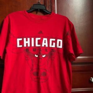 Red Adidas Chicago Bulls shirt